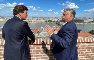Tucker Carlson: Orbán Viktor a demokráciáért harcol