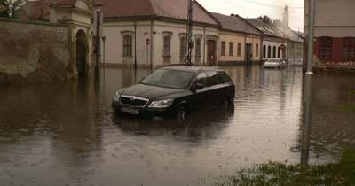Brutális, mennyi eső esett Esztergomban: teljesen elöntötte a várost a víz