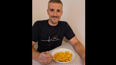 Jakab Péter egy tojásos lecsóval folytatja lázadását a Fidesz-uralom ellen