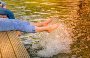 Városnézés, kirándulás – fáradt lábak