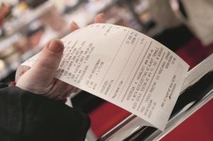 Nehezebb elbújni az adóhatóság elől: számlák millióit látja a NAV