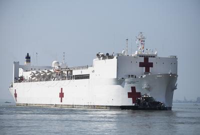 Ingyen haladt át egy hajó a Szuezi-csatornán, ezzel több ezer emberélet menekült meg