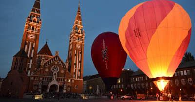 Ámulatba ejtő, lebegő hőlégballonok – Fotók
