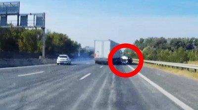 Horror baleset az M0-son: Szó szerint letarolta az autót a kamion - Videó