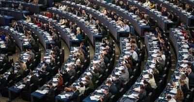 Tárt karokkal várja a diplomás migránsokat az unió