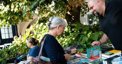 A könyveket és a szerzőket ünneplik a veszprémi Könyvhéten