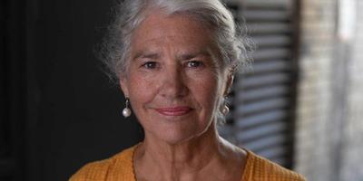 Teljesen meztelenül mutatta meg magát a 63 éves színésznő - fotó