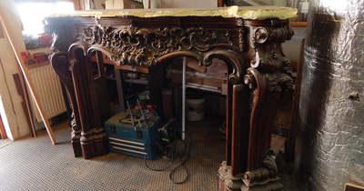 Tatán találták meg a velencei kastélyból ellopott neobarokk kandallókeretet (képek)