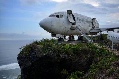 Villává alakul egy utasszállító repülőgép Balin