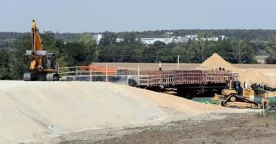 Több helyszínen folyik a bicskei intermodális központ építése