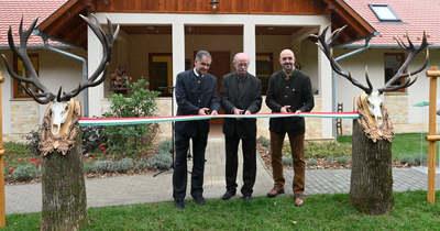 Emlékparkot avattak a Vadászati Világkiállítás somogyi nyitórendezvényén