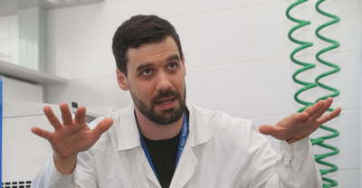 Hat, oltással kapcsolatos tévhitet cáfol meg Kemenesi Gábor virológus