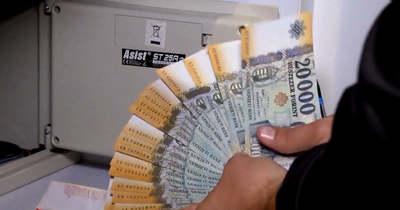 Nagy pénzváltó csalás Tatabányán: 10 ezer euróval vágta át áldozatát az ácsi férfi