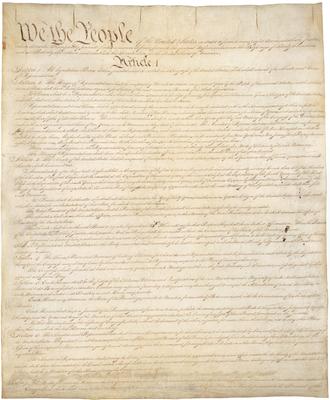 Itt az amerikai alkotmány első hivatalos változatának másolata
