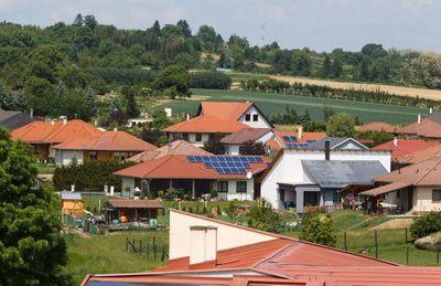 Nem minden házon éri meg a napelemes fűtést kiépíteni