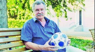 Űrfutball: Farkas Bertalannak választania kellett a futball és a világűr között