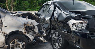 Két autó karambolozott Sárbogárdon