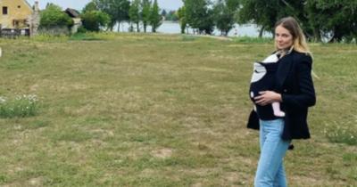 Tatáról jelentkezett be Mihalik Enikő, kislányával fotózkodott az Öreg-tó partján
