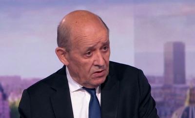 Franciaország visszahívta washingtoni és canberrai nagyköveteit
