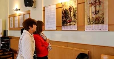 Egyedülálló szakrális díszletkönyv képeket állítottak ki Győrben – fotók