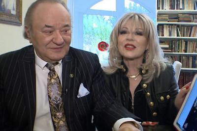 Egy bűnbandával pereskedik Korda György és Balázs Klári