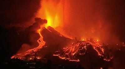 Kitört a Kanári-szigeteki vulkán, menekítik az embereket - videók