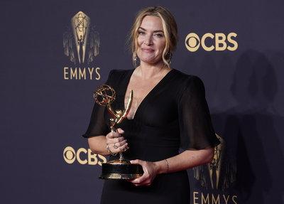 A korona nyerte a legtöbbet az Emmy-gálán