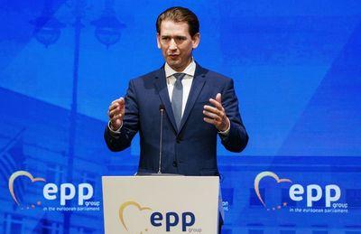 Az osztrák kancellár megvédte Magyarországot és Lengyelországot