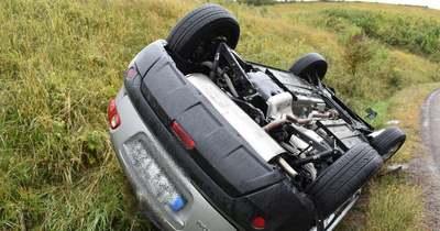 Fejtetőre állt autójával a 66 éves sofőr Vizslásnál