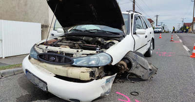 Videón, ahogy ittas sofőr okoz balesetet Szombathelyen