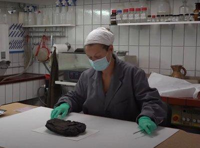 Ez a 79 éves mogyorótorta még világháborús bombákat is túlélte