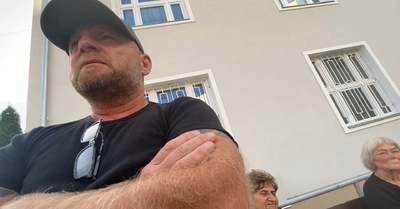Megkérdeztük Jakab Péter agresszív testőrét, miért kapott 42 millió forintot