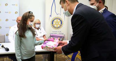 A nyolcéves Hanna két szívműtétjét is a Rotary finanszírozta