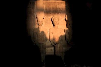 A Nap csodája: évente kétszer fény árasztja el II. Ramszesz szobrát