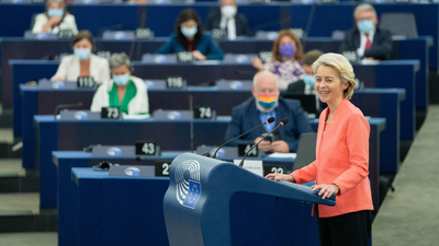 Köteles Lajos (Népszava): Történelmi iránytű Kelet-Európához