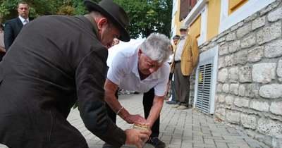 Botlatóköveket helyeztek el a tapolcai zsidó családok emlékére