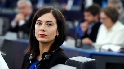 Cseh Katalin a céghálót cáfolta, a tényeket nem