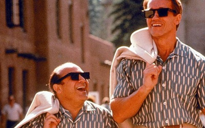 Arnold Schwarzenegger és Danny DeVito folytatja az Ikreket