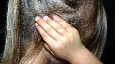Pszichológushoz vitték a 11 éves magyar kislányt: kiderült, gyomorforgató dolgokat tett vele a nagypapa - 18+