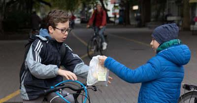 Autómentes nap: reggelivel várták a kerékpárosokat Békéscsabán