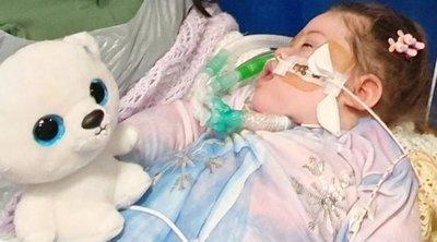 Nincs sok ideje hátra a 2 éves lánynak: orvosai nem hajlandóak teljesíteni a szülők kérését