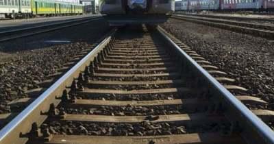 Szivárog egy tartálykocsi a rajkai vasútállomáson, vonatpótló buszra kell szállni