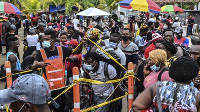 Közel húszezer haiti migráns rekedt meg Kolumbia és Panama között
