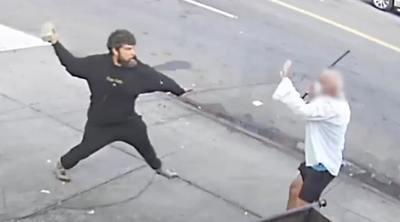 Téglával törte el a pincér csuklóját és orrát a hajléktalan férfi, miután kiküldték az étteremből