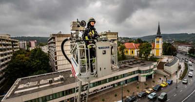Videón, ahogy szédítő magasságban gyakorlatoztak a nógrádi tűzoltók
