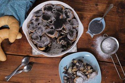 Mákos guba: a legegyszerűbb desszert szikkadt kifliből - íme a recept videón