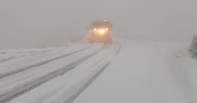 Most érkezett, szakad a hó Magyarország szomszédságában – Videó!