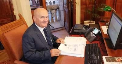 Hende Csaba: Meglepő, hogy több mint 900 millió forint nem tűnt fel a Polgármester úrnak!