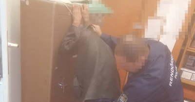 Fütyült rá, hogy nyomoznak utána, ismét lopni ment a fényszarui férfi