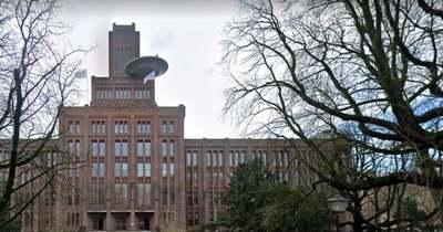 Sokkoló felvétel egy UFO-ról, hatalmas csészealj fúródott az épület falába – Videó!